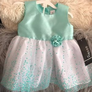 🦋Adorable sparkly mint baby dress!🦋